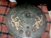 продам копию щита 17 века,  ковка,  травление,  чернение,  диаметр 42 см